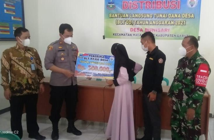 Desa Bunisari Malangbong Garut Salurkan BLT DD Tahap I